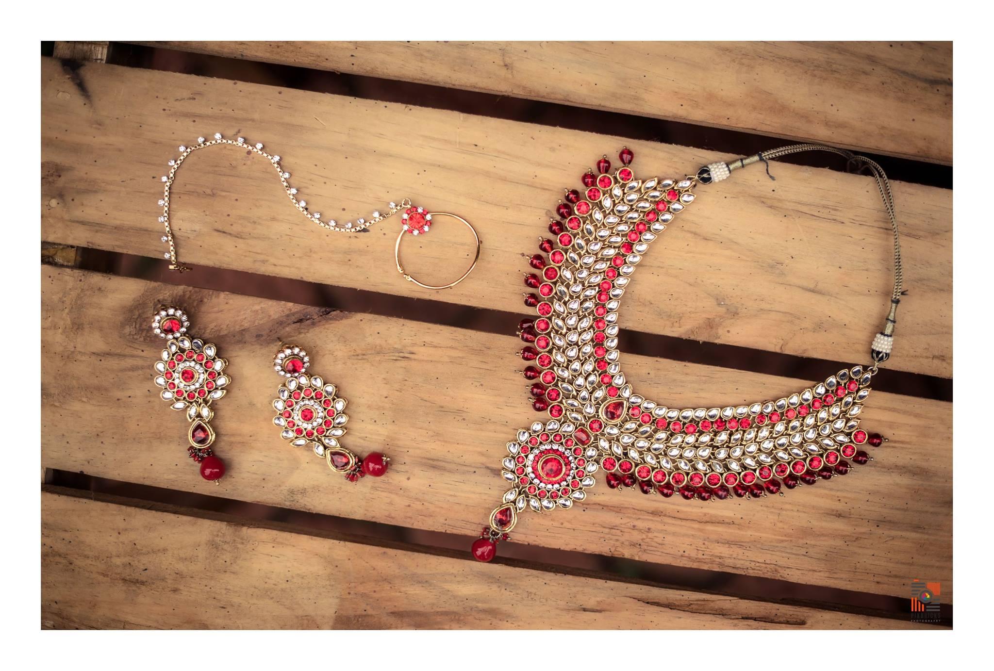 Red with White Kundan stone Jewelry