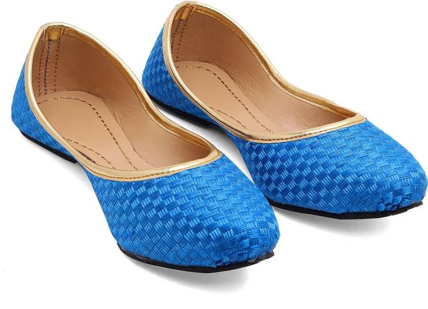 Ridhi Sidhi Dazzling Turquoise Mojaris