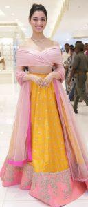 24.Fashionable Lehnga Blouse Design