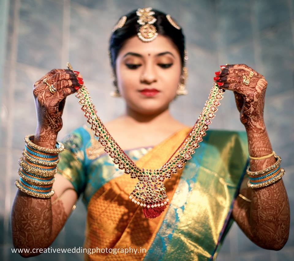 South Indian Jewellery Designs For Brides To Look Drop: Bridal Jewellery Designs