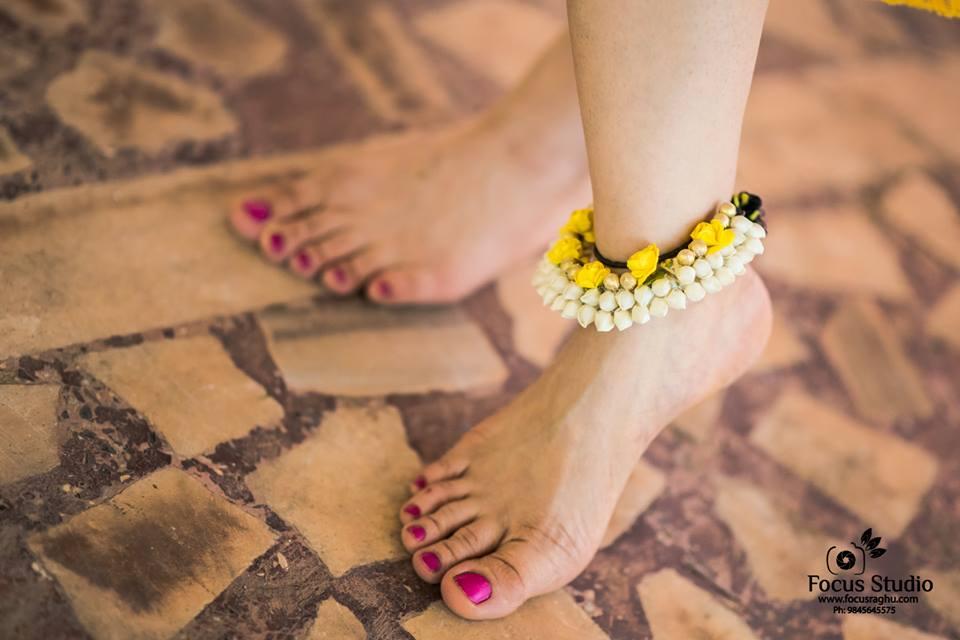 Flower anklet