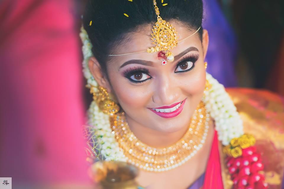 Sparkling bridal eyes