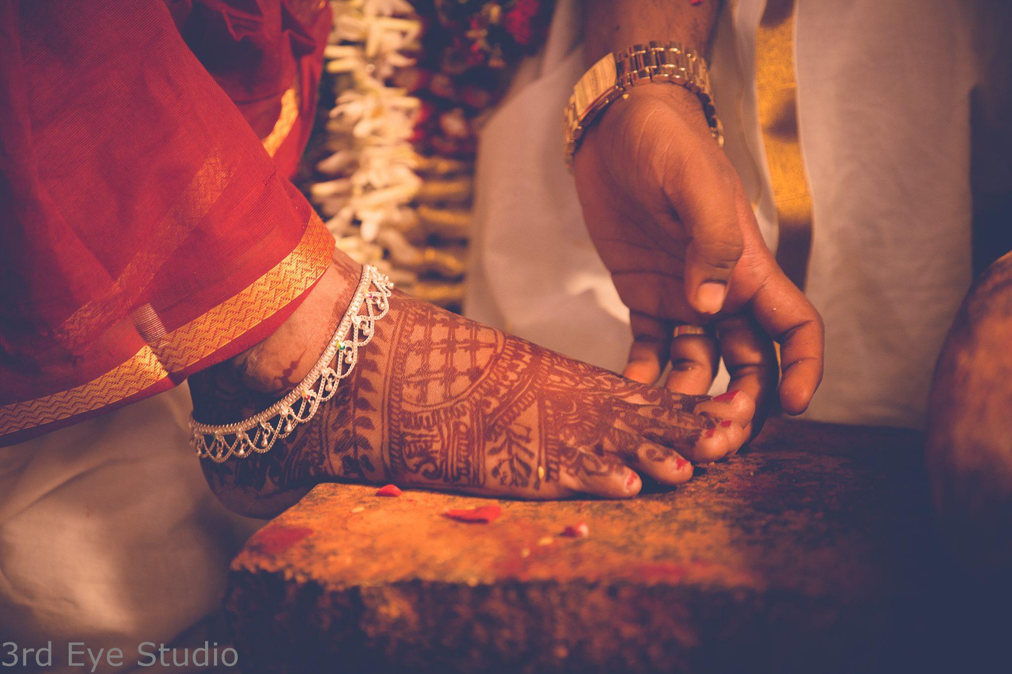 Traditional Silver u design anklet
