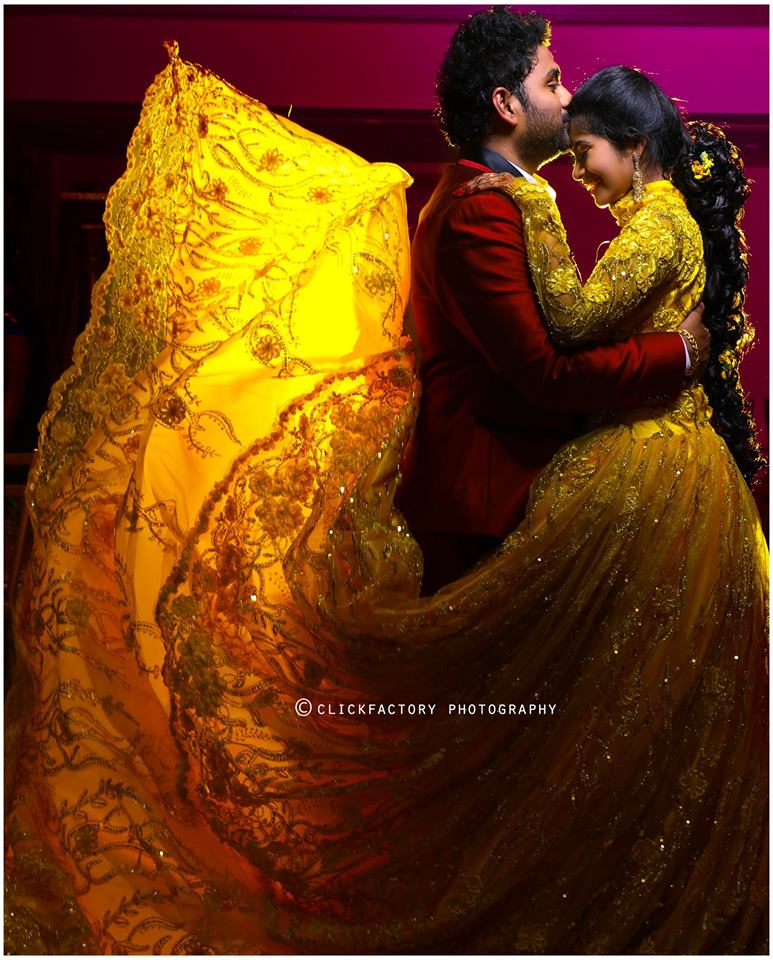 Wow click of couple