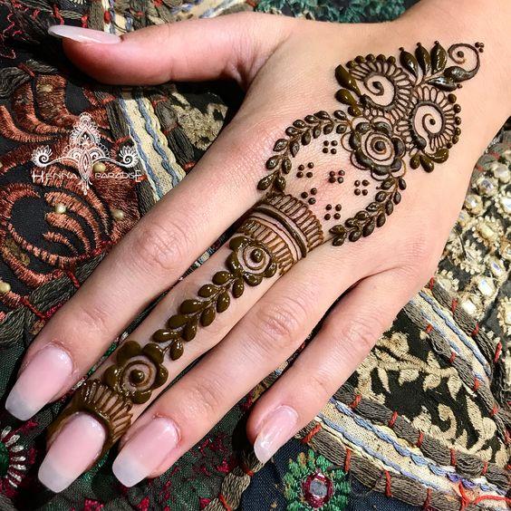 Simple bridal arabic mehndi
