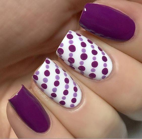 Violet Pulki Dots Nail Art